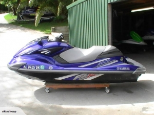 2009 FZR YAMAHA LOW HRS
